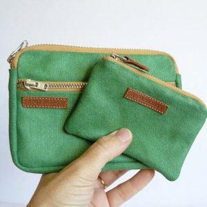 vista frontal en mano color verde