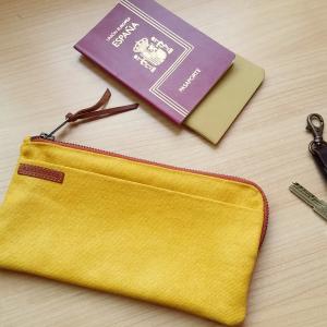 cartera amarilla
