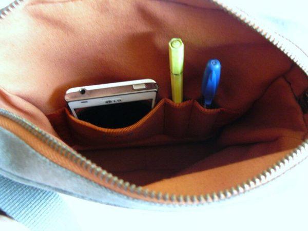 Interior del bolso