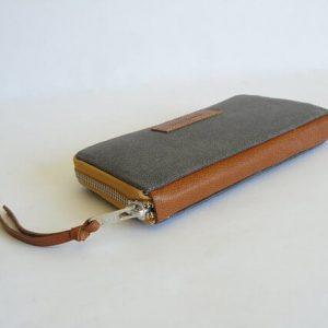 bottom of wallet