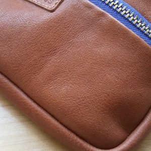 aseismanos leather wallet close view