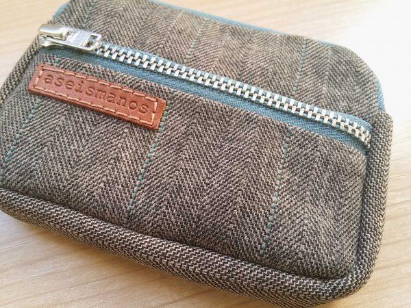front pocket wallet close view