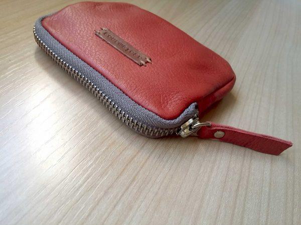 zipper close view