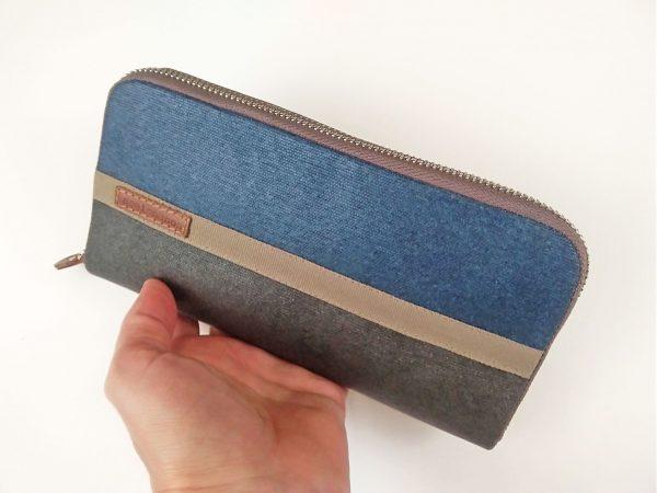 wallet held in hand