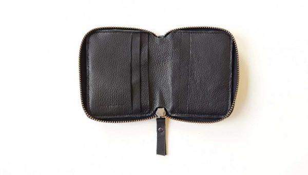 open empty wallet
