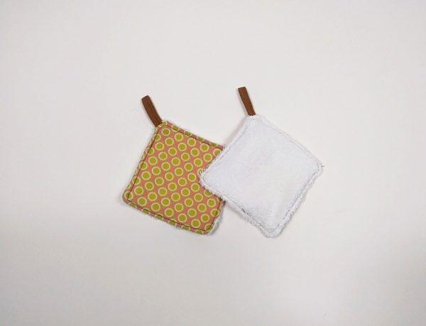 showing towel reverse