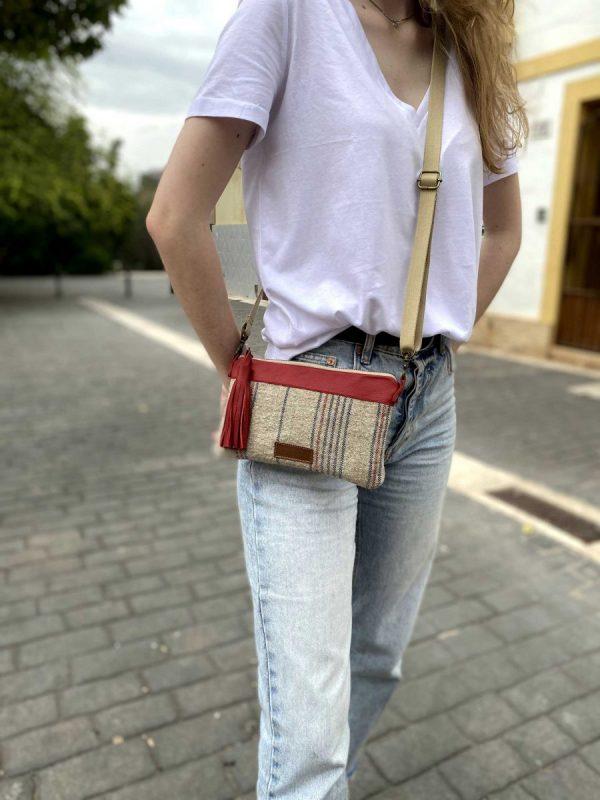 girl wearing the bag