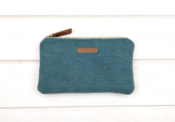 pouch front view
